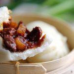 ♨ Baozi mit gekochtem Schweinefleisch und Sauce
