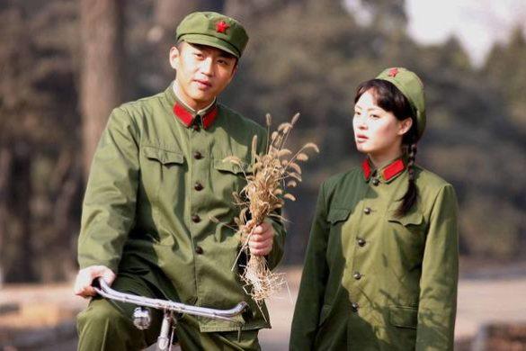 Chinesische Schuluniform im Wandel der Zeit